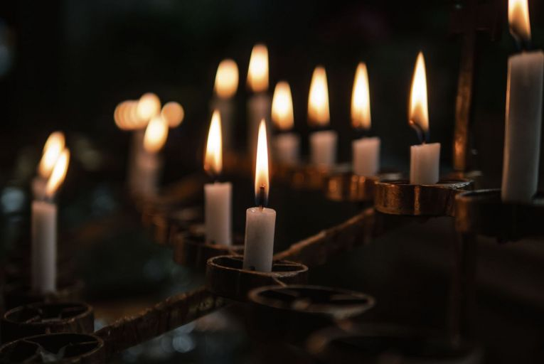 Church appeals against 'Penal Law' tax on prayer candles