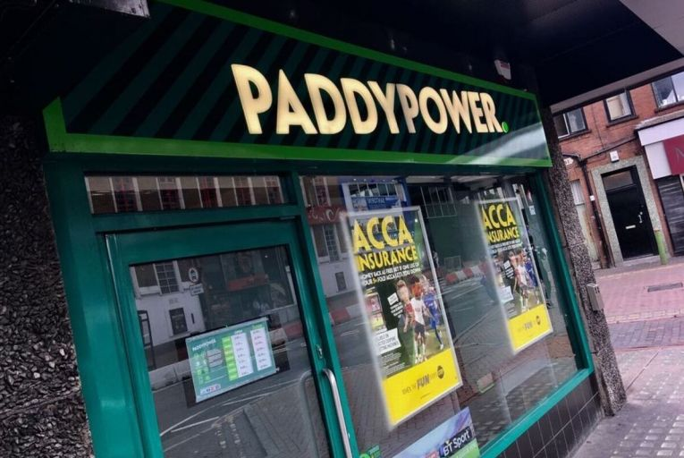 Hedge funds ramp up bets against Paddy Power share price