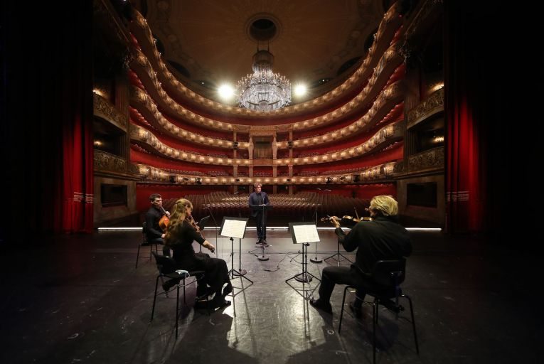 Baritone Sean Michael Plumb and the Rheingold Quartet rehearse for a concert at the Bayerische Staatsoper in Munich. Photo: Getty