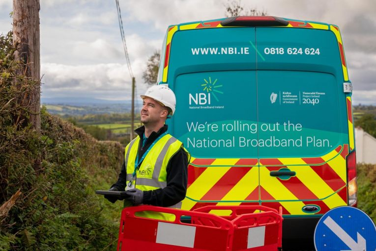 A working group has been set up to assess the feasibility of using the ESB's infrastructure and the cost-effectiveness of accessing the network