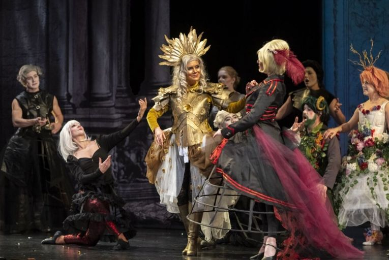 Dallas Opera is taking a new step to bridge the gap between traditional concert hall and at-home entertainment
