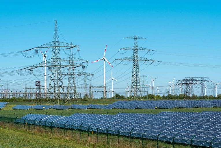Government considers measures to mitigate surging energy prices this winter