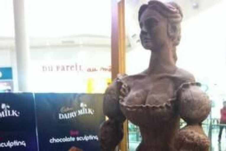 Edible Molly Malone chocolate statue erected