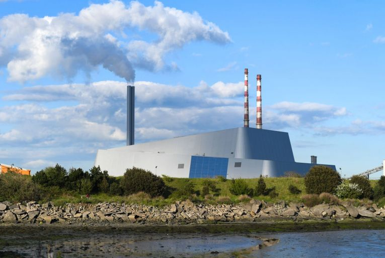Heat created by the Poolbeg Incinerator in Dublin could be used to help create a completely new heating system in Ireland. Photo: Getty