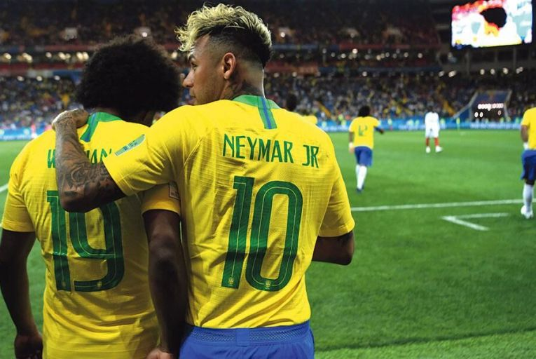 ROSTOV-ON-DON, RUSSIA - JUNE 17:  Willian and Neymar Jr of Brazil walk out for the second half during the 2018 FIFA World Cup Russia group E match between Brazil and Switzerland at Rostov Arena on June 17, 2018 in Rostov-on-Don, Russia.  (Photo by Michael Regan - FIFA/FIFA via Getty Images)