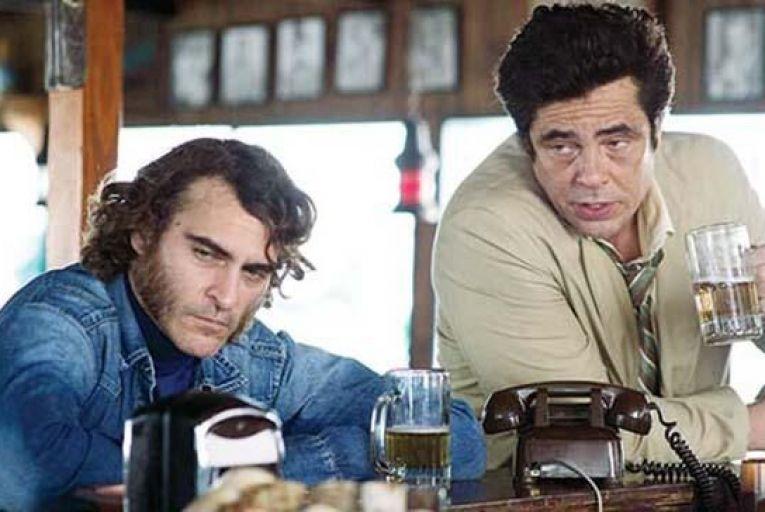 Joaquin Phoenix and Benicio del Toro in Inherent Vice.