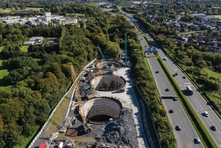 ByrneLooby designed a storage tank and pumping system below ground and an above-ground control room in a pumping station building beside the M50 to provide an upgraded sewer network for the Tolka Valley area