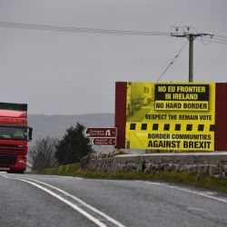 Government rejects new Tory blueprint to avoid hard border