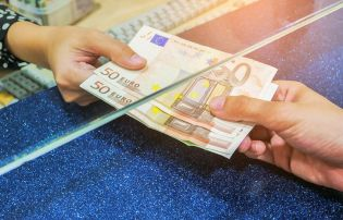 Lack of competition key to Irish bank profits, says report