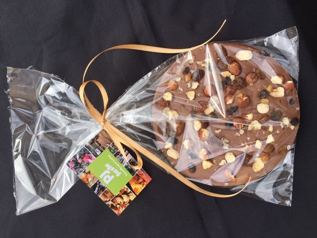 Full Of Love - Large Milk Chocolate Disc With Gift Tag