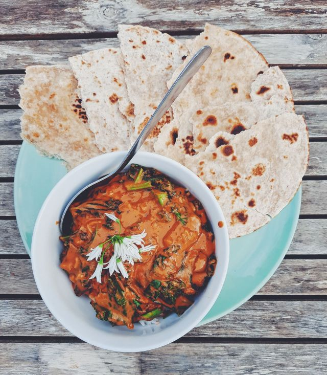 West African Peanut Curry With Rice And Roti (Vegan)