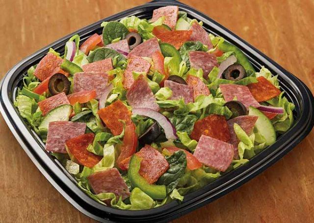 Spicy Italian salad (Pepperoni & Salami)
