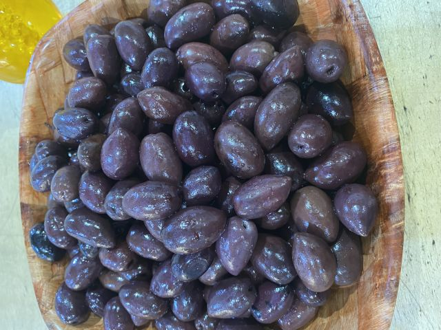 Black kalamata olives with stone