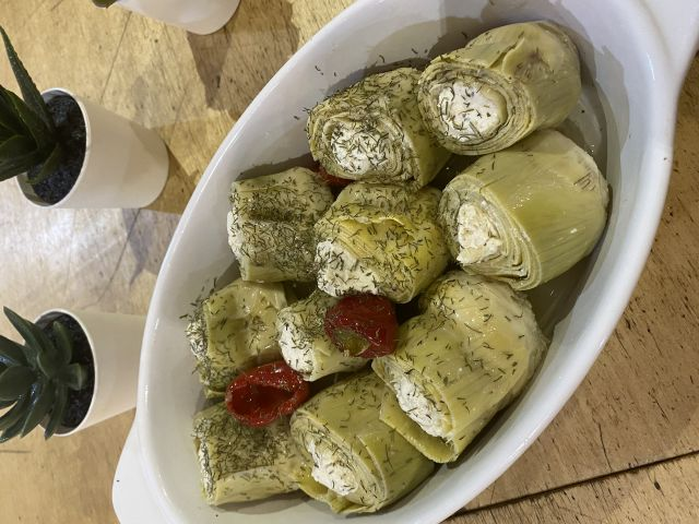 Artichokes stuffed feta cheese