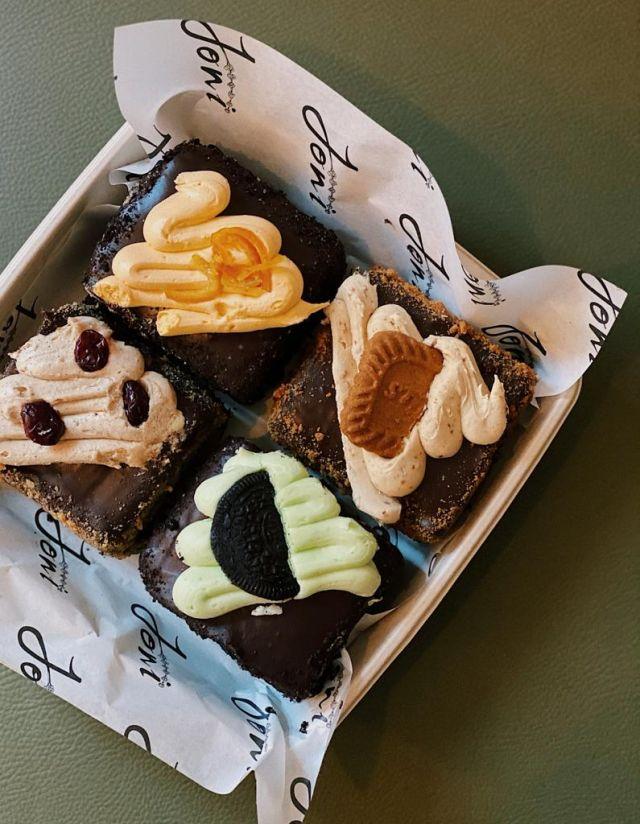 Chocolate Fudge Scoffington