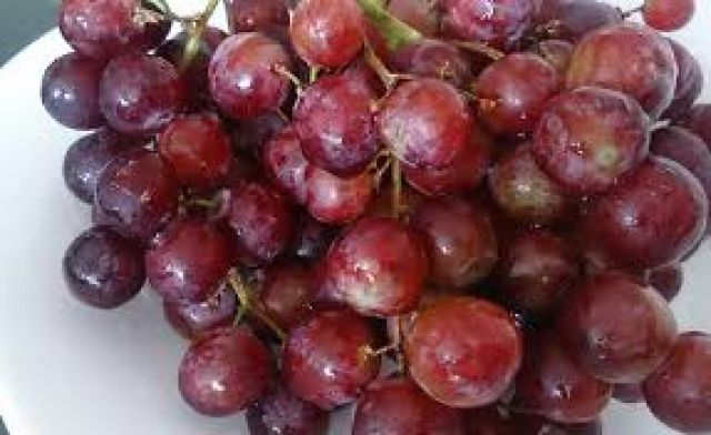 Red Seedless Grapes (punnet)