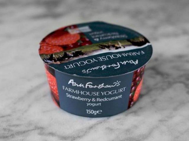Ann Forshaw's Strawberry & Redcurrant Yogurt 150g