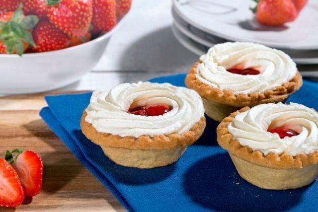 Twin Strawberry Tarts