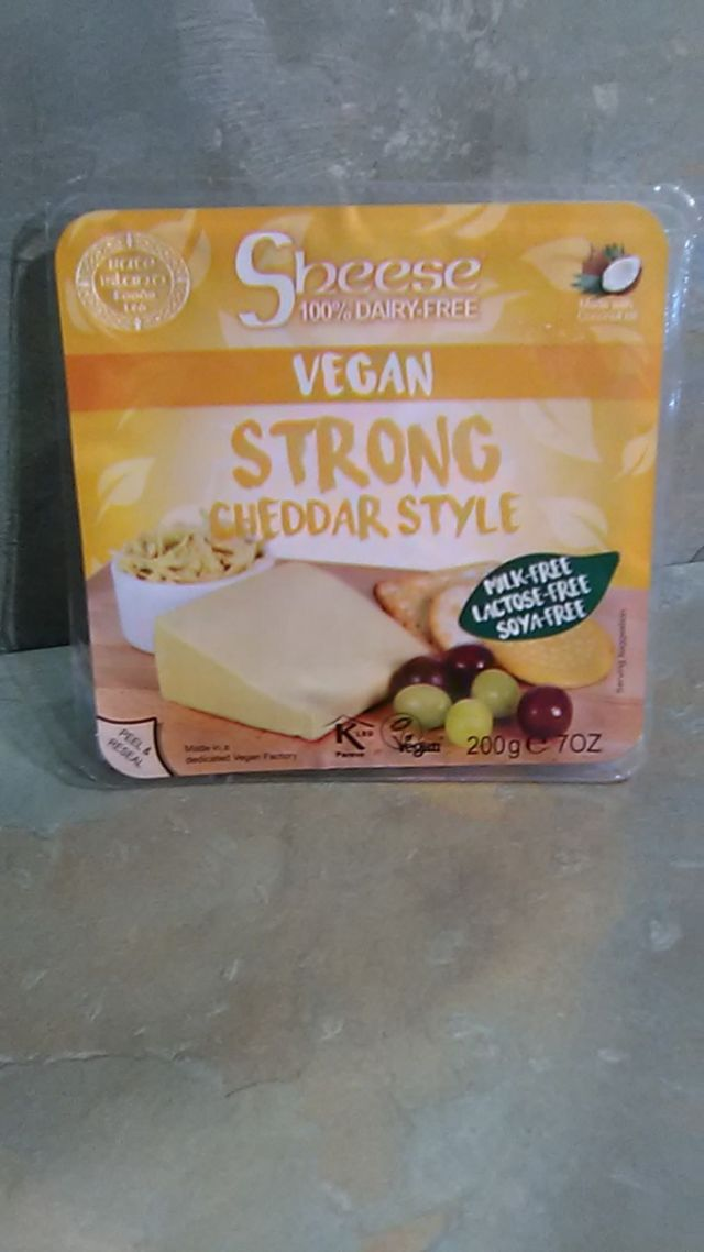 Strong Cheddar Style Block  Vegan Cheese (200g)