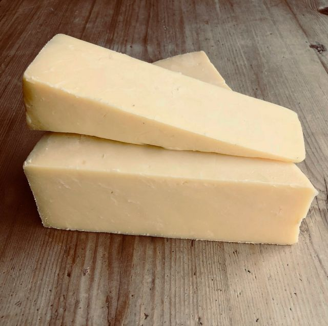 Extra Mature White Cheddar (100g)