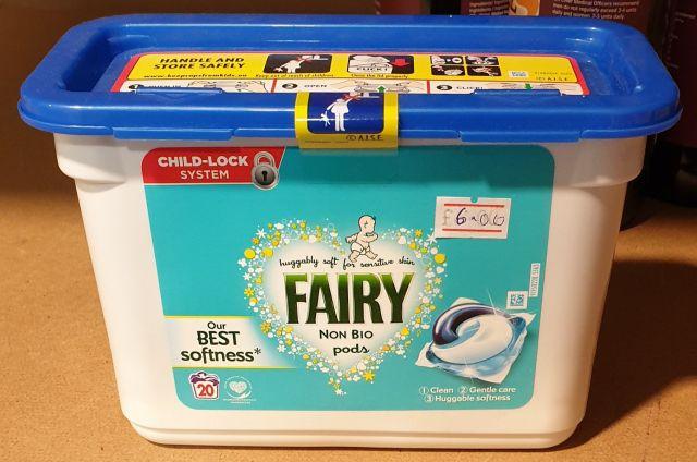 Fairy Non Bio Laundry Pods (20 Washes)