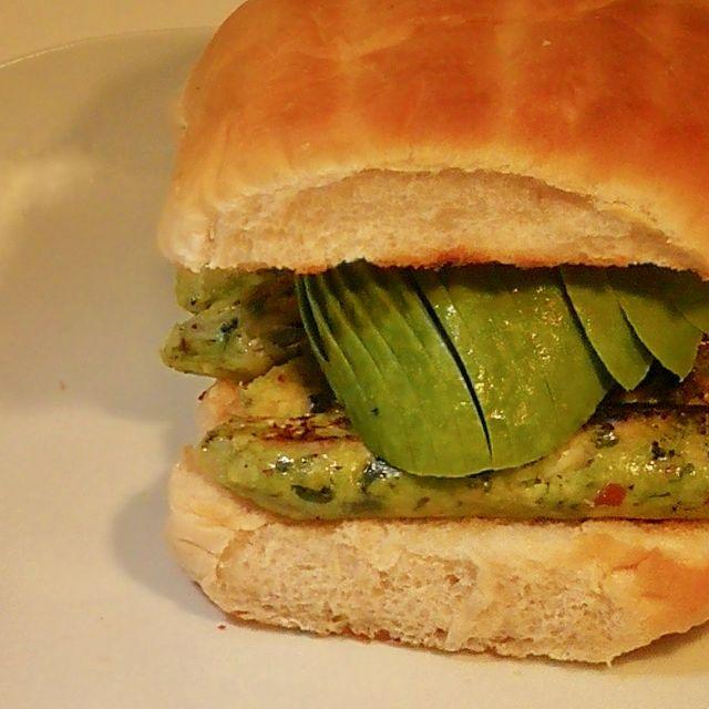 Vegan Sausage & Avocado Butty