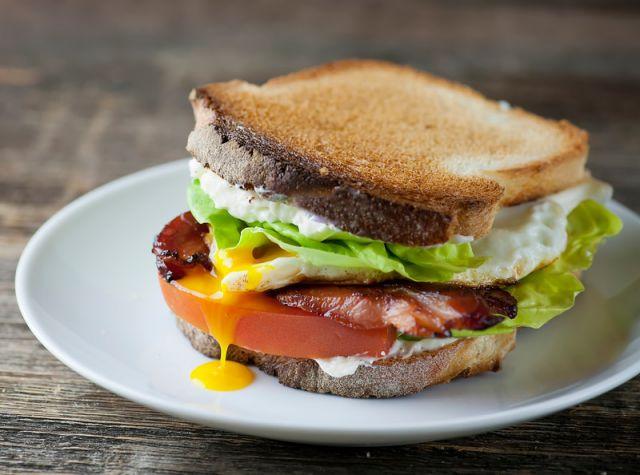 Egg & Bacon Sandwich