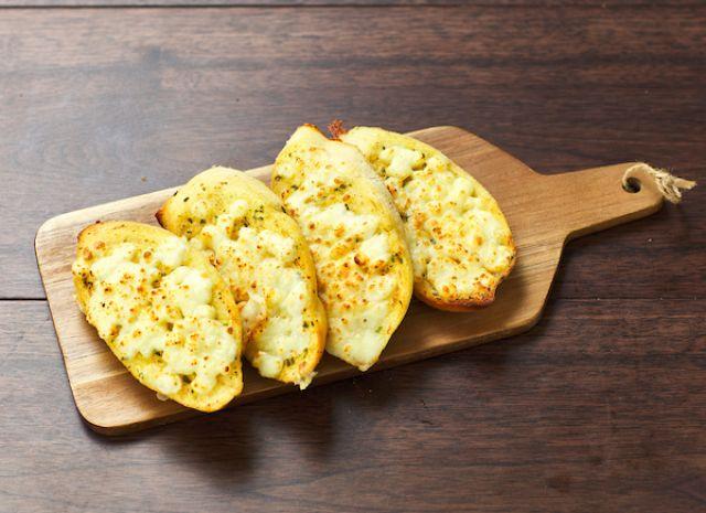 Garlic Bread & Cheese