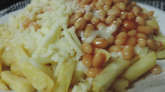 Cheesy Chips & Beans