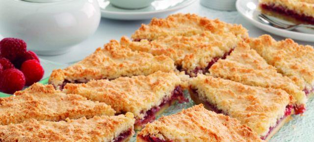 Coconut and Raspberry Shortcake