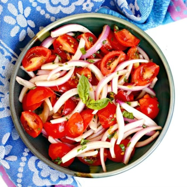 Onion and Tomato Salad