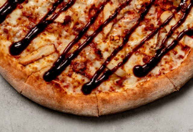 BBQ Chicken Classic Pizza