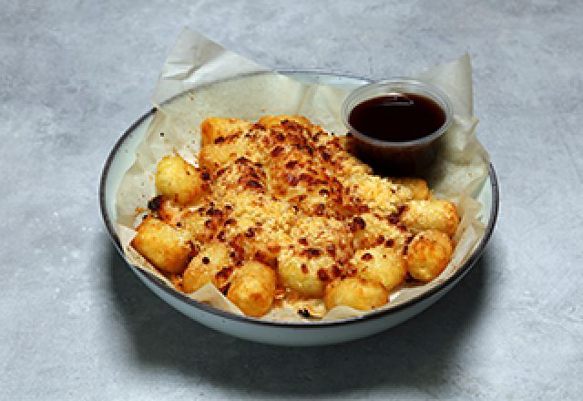 Potato Tots with Four Cheeses