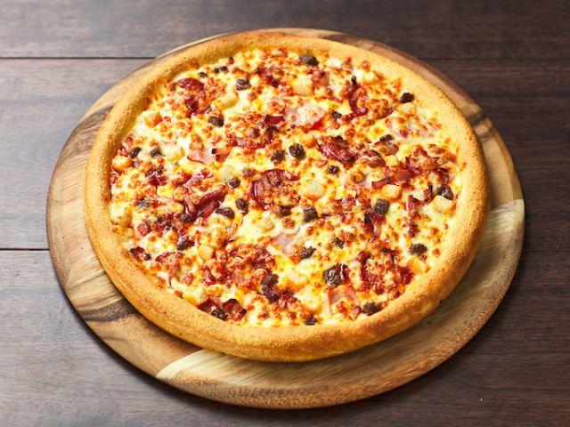 The Fat BBQ Cauliflower Crust Pizza