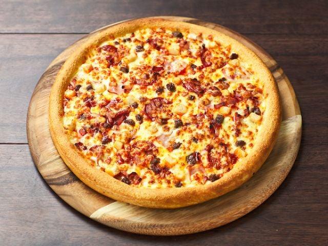 Meatfeast Cauliflower Crust Pizza