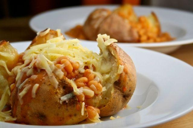 Jacket Potato Cheese & Beans