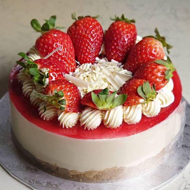 C010 Strawberry Cheesecake