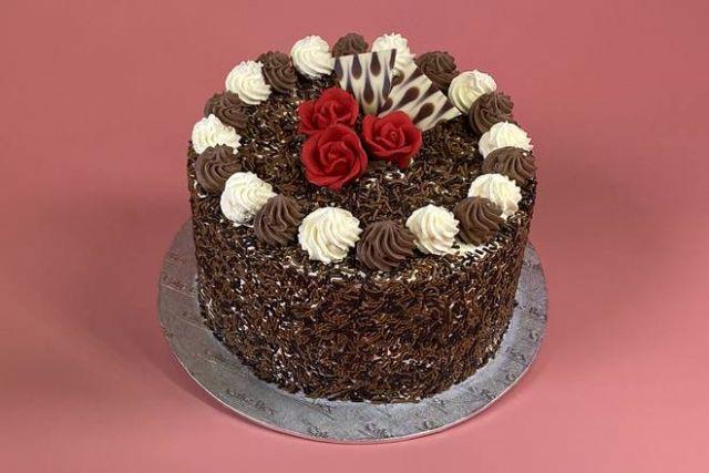 """UR025 6"""" Choc Cake"""