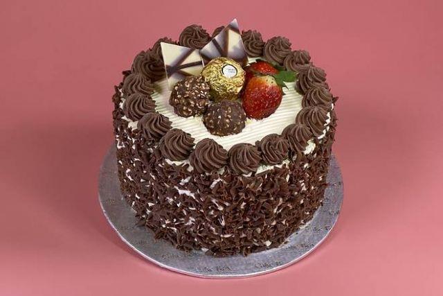 """UR022 6"""" Hazelnut Cake"""