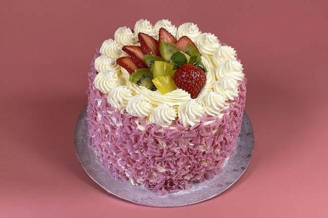 "UR060 6"" Choc Fruit Cake"