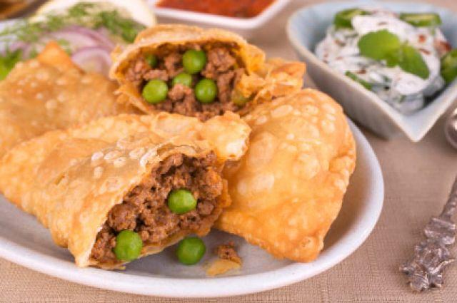 Meat Somosas (2 pieces)