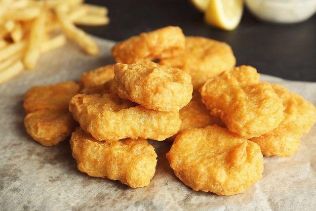 4 Chicken Nuggets & Chips