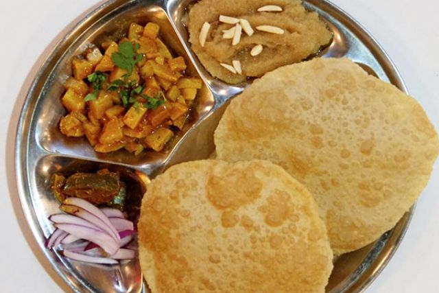 Punjabi Halwa Puri