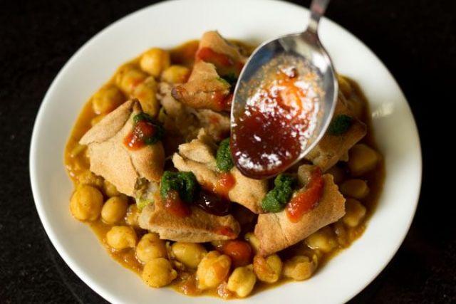 Chaat Paata Vegetable Samosa Chat