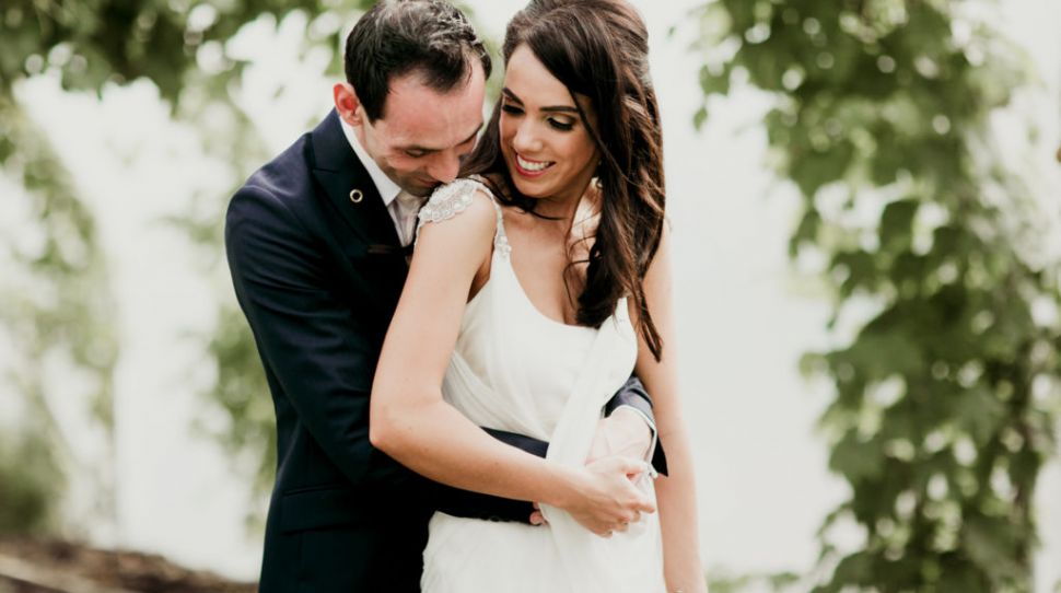 Laura and Páraic's simple, relaxed wedding at Tankardstown House