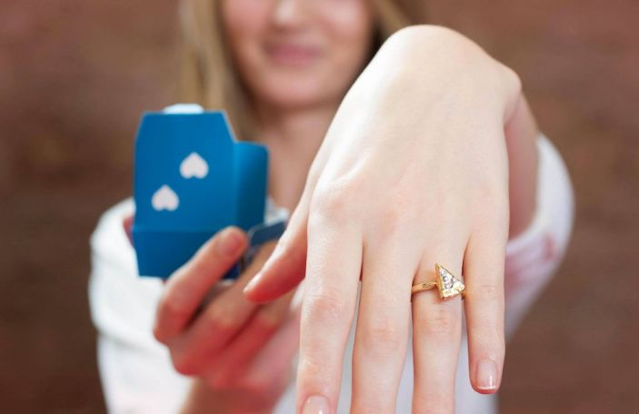 Stop everything: Domino's have created a 22-carat gold pizza engagement ring