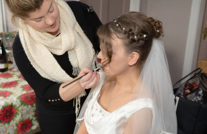 What to expect from your wedding hair and make up trials, according to the experts