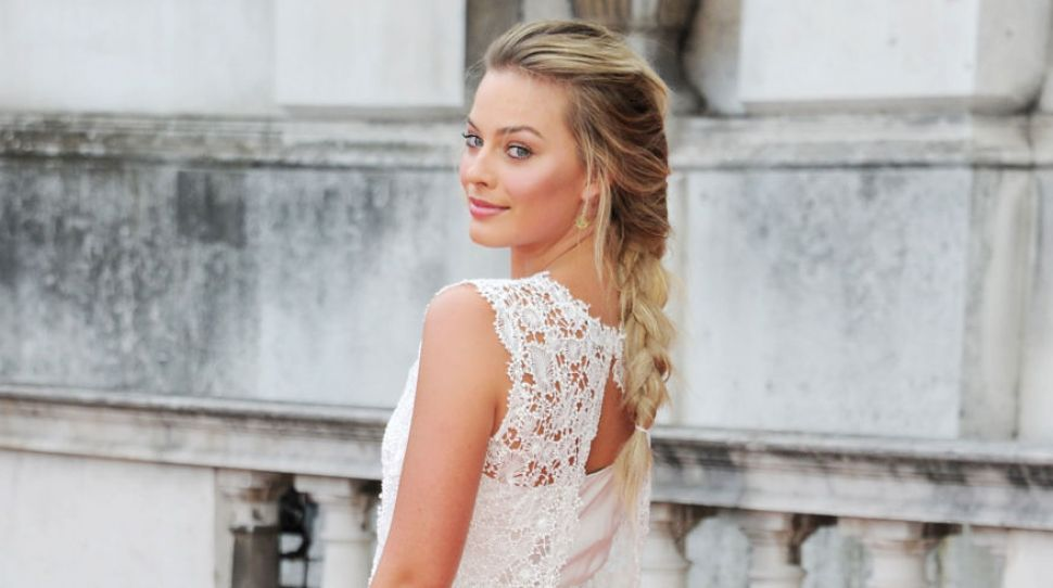 Margot Robbie's bridesmaid dress is gorgeous, and here's where you can get it