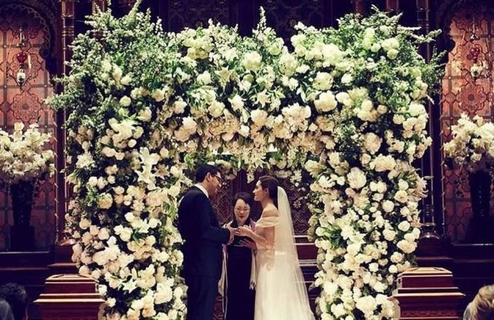 Shameless star Emmy Rossum did a lovely thing with her leftover wedding flowers