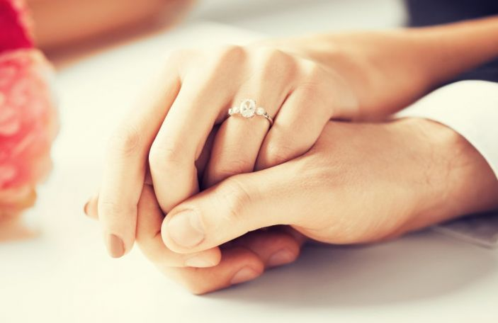 How to shop for your engagement ring together with your other half
